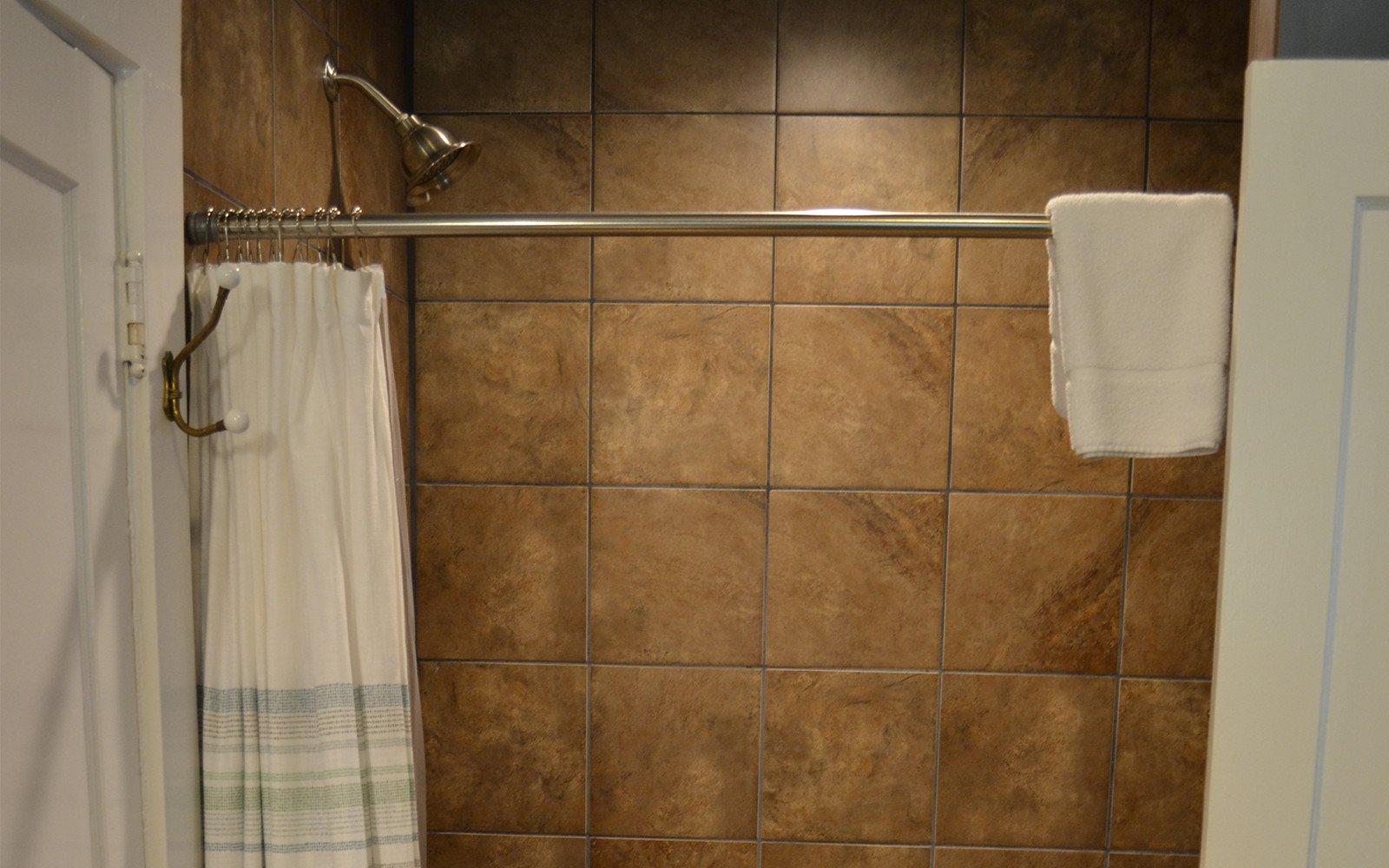 Bathroom-2-Franklin-Street-house