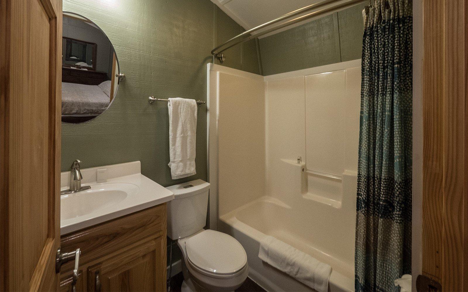 Bathroom-at-the-Barn