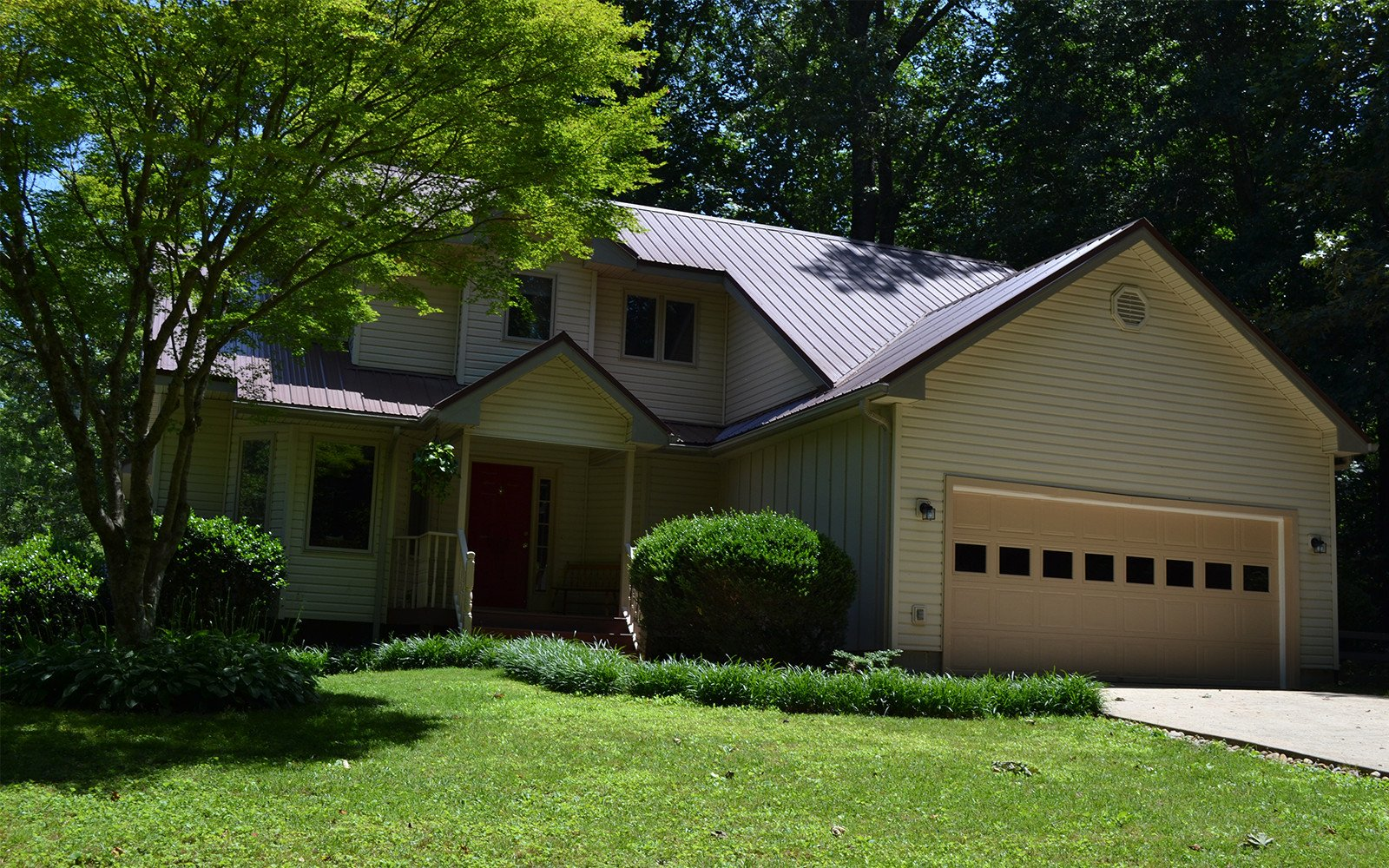 Hilt Street house with double garage in Brevard NC