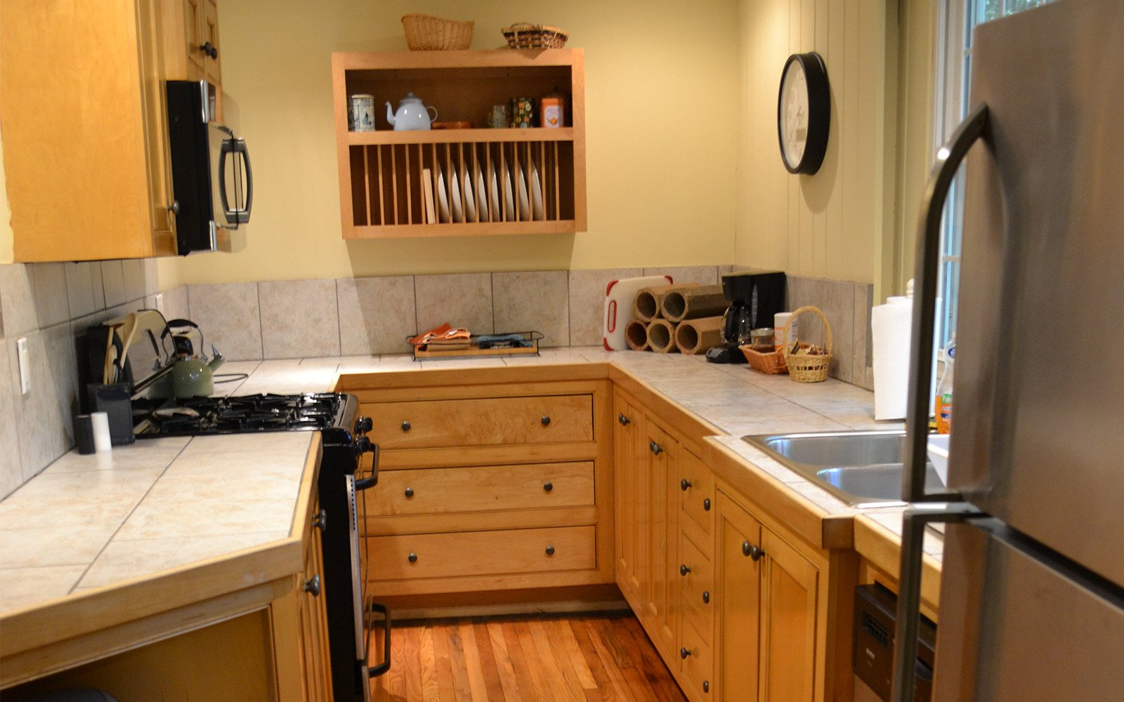 Kitchen-Franklin-Street-house-custom-maple-cabinet