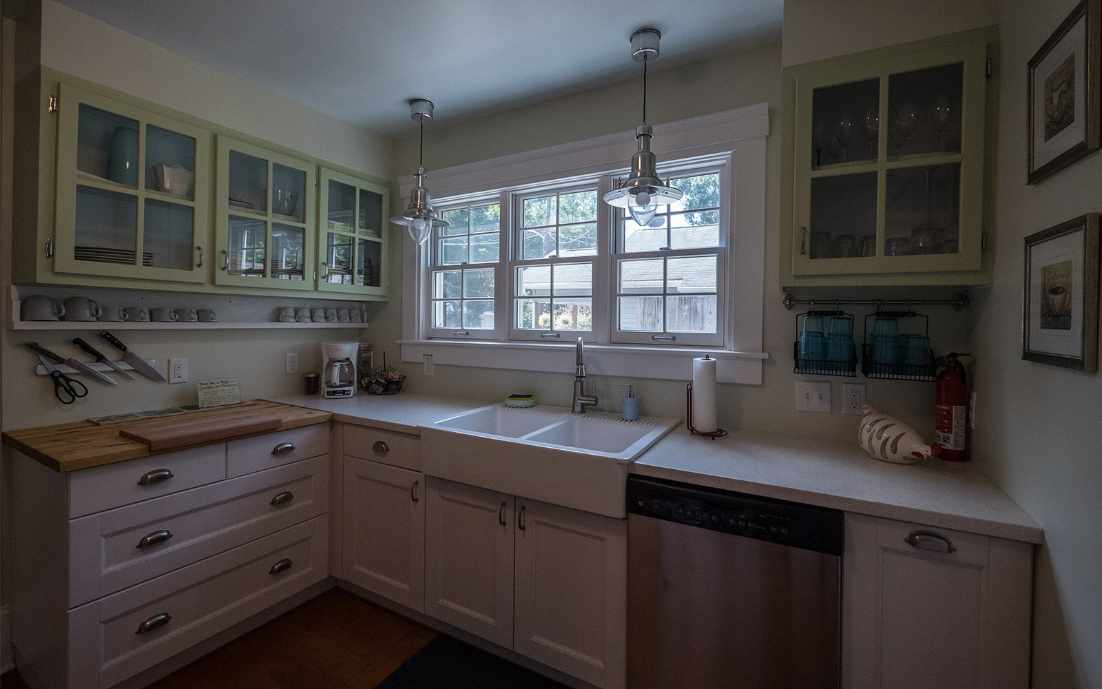 Oaklawn Avenue house kitchen