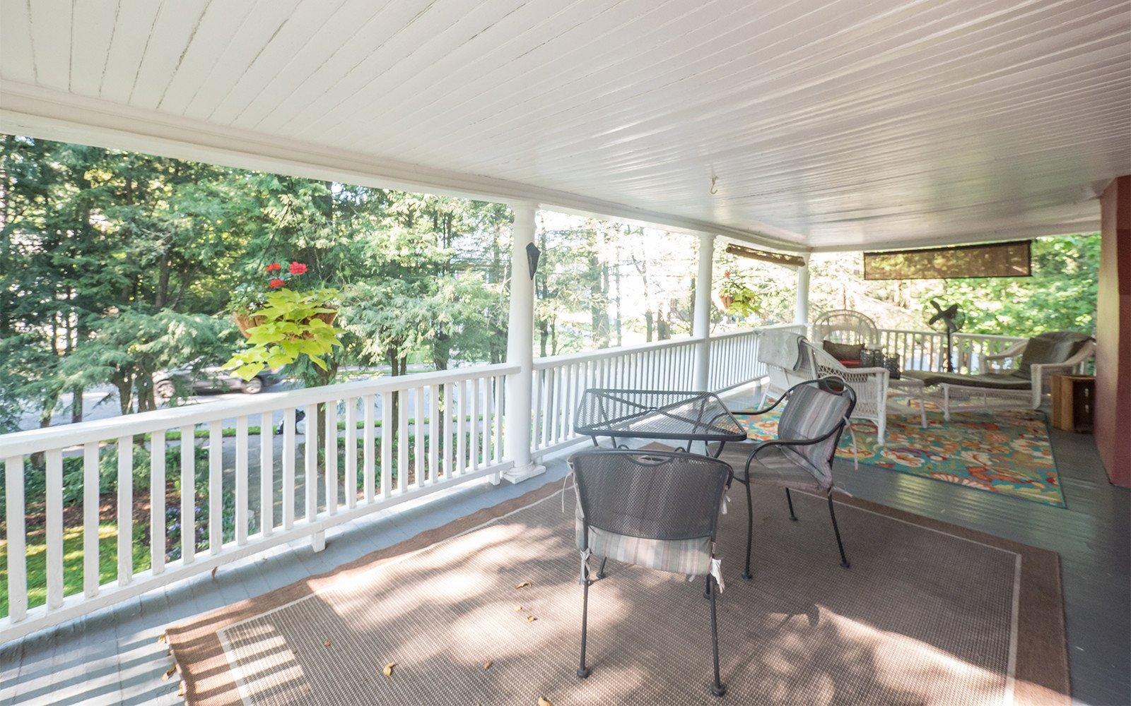 Taylor-Epworth-Suite-private-porch