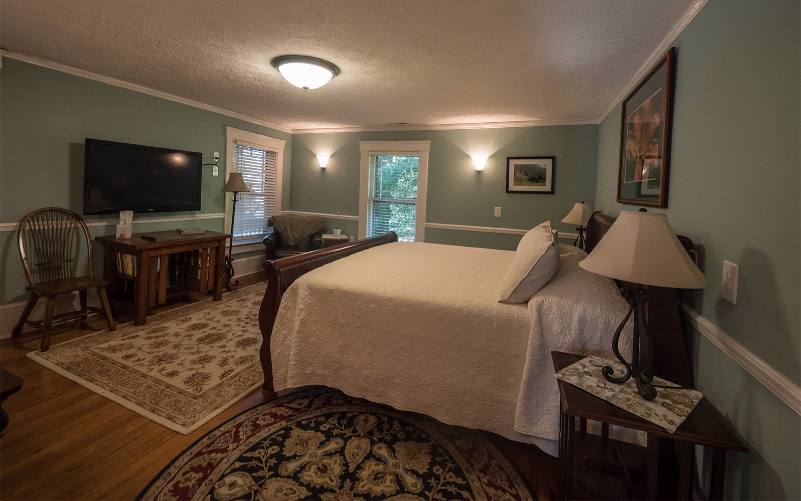 Taylor-Epworth-Suite-King-bedroom