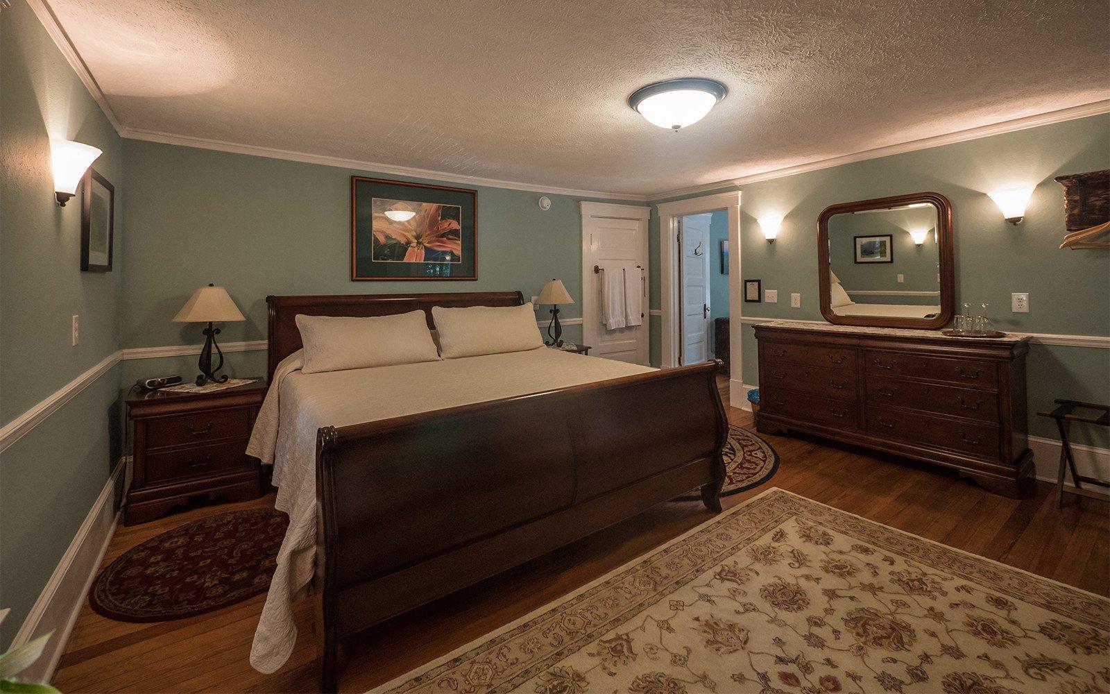 Taylor-Epworth-Suite-king-bedroom-2