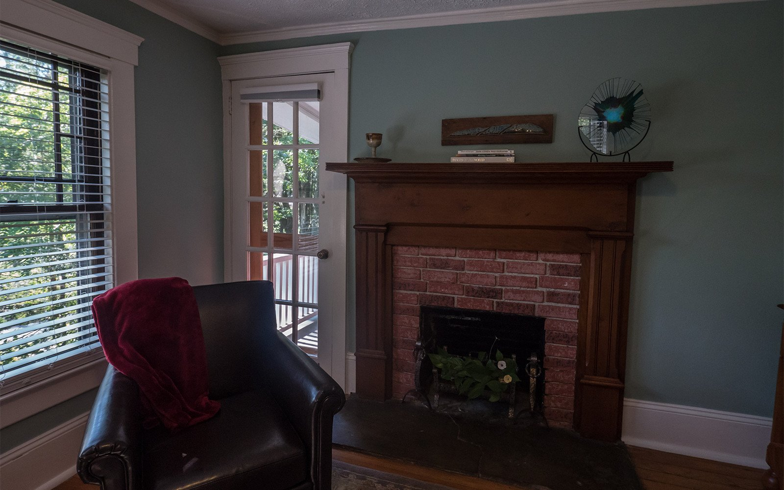 Taylor-Epworth-Suite-sitting-room-2