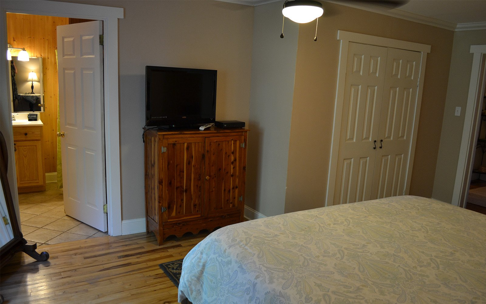 Master-bedroom-Franklin-Street-house