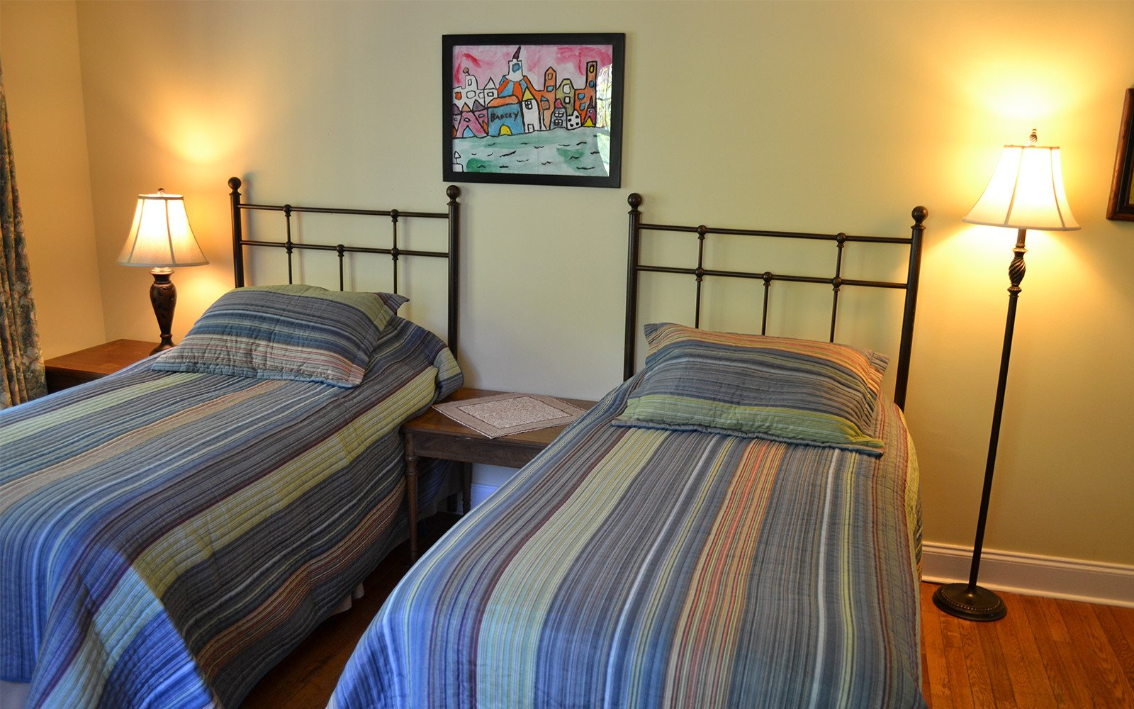 Two-twin-bedroom-Franklin-Street-house